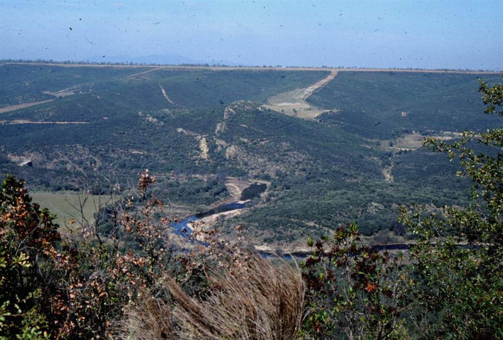 Perfil de la raña incidida por el río Estena
