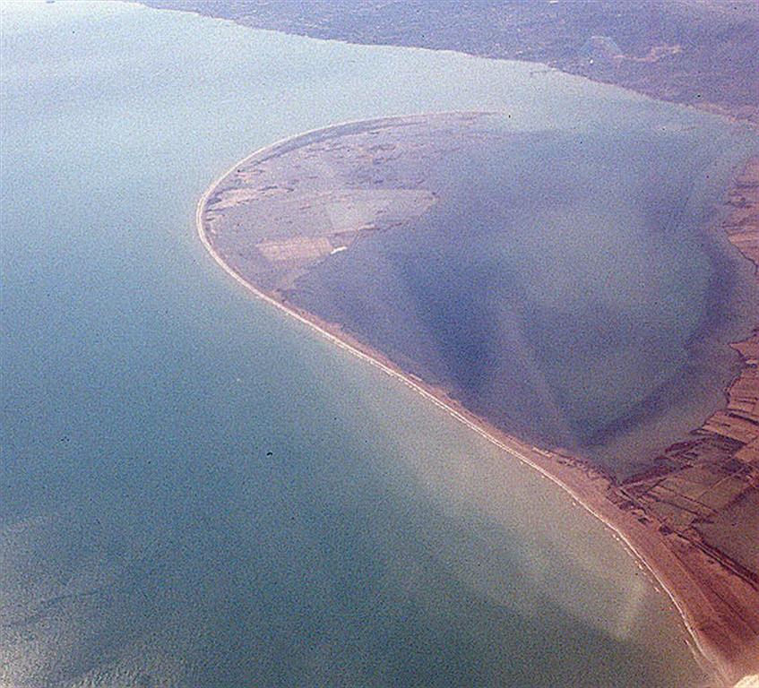 Vista aérea oblicua de la flecha meridional del delta