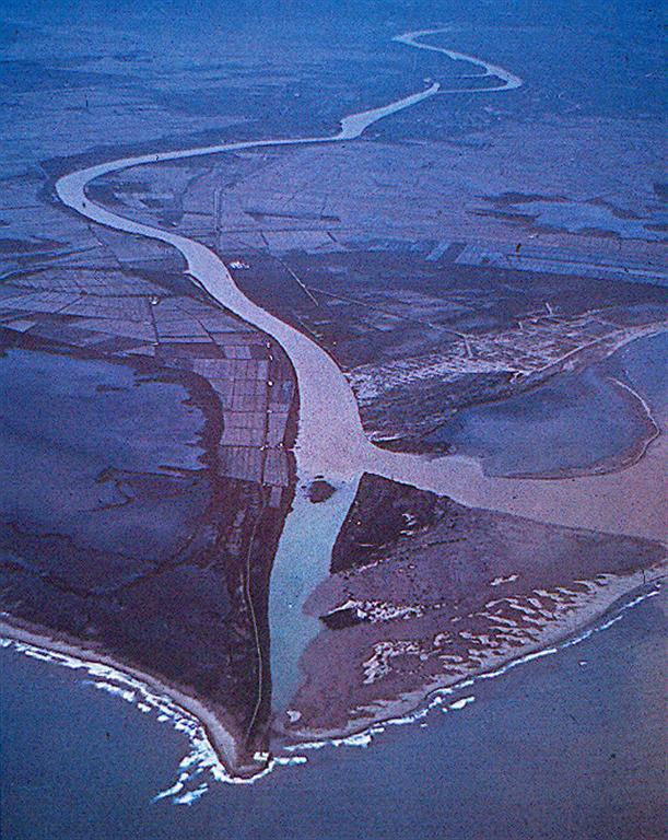 Vista aérea del frente deltaico a mediados de los años 50.