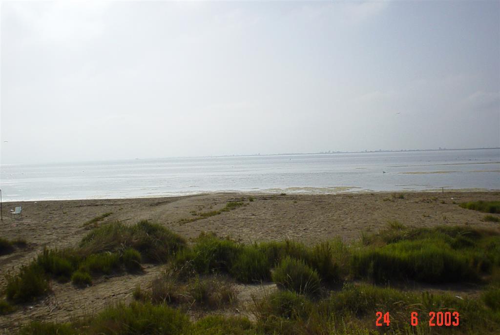 Vista general de la Bahía de Los Alfaques desde la flecha de Trabucador.