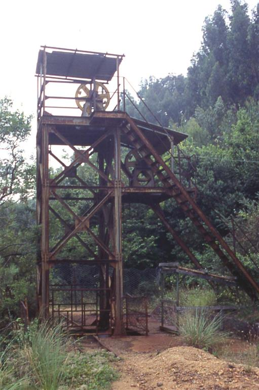 Castillete de la mina San José, Novales (Cantabria)