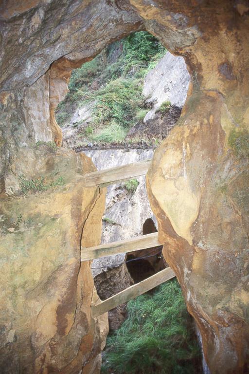 Mina Virgen de la Cueva o Esmeralda en Canales (Comillas)