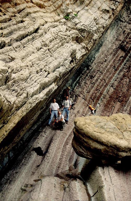 Límite K/T entre margocalizas del Cretácico (Maastrichtiense) y calizas del Terciario (Daniense) de Zumaya
