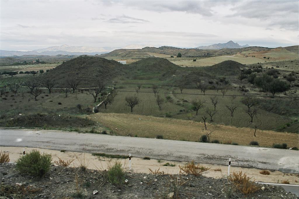 Aspecto de los resaltes topográficos correspondientes al afloramiento del pitón fortunítico de los Cabecitos Negros