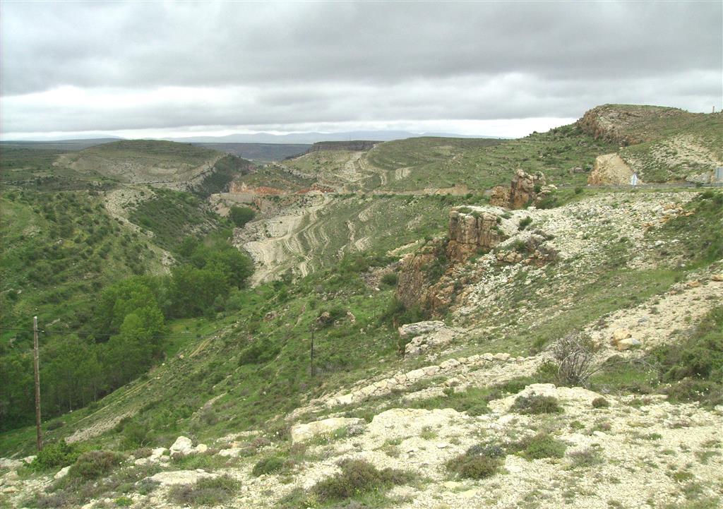 Panorámica de la Fm Chert y del cañón del río Sollavientos desde el puerto de mismo nombre.