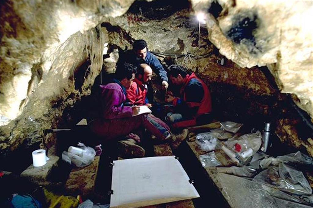 Vista general del yacimiento de la Sima de los Huesos durante su proceso de excavación (foto Equipo Investigador de Atapuerca)