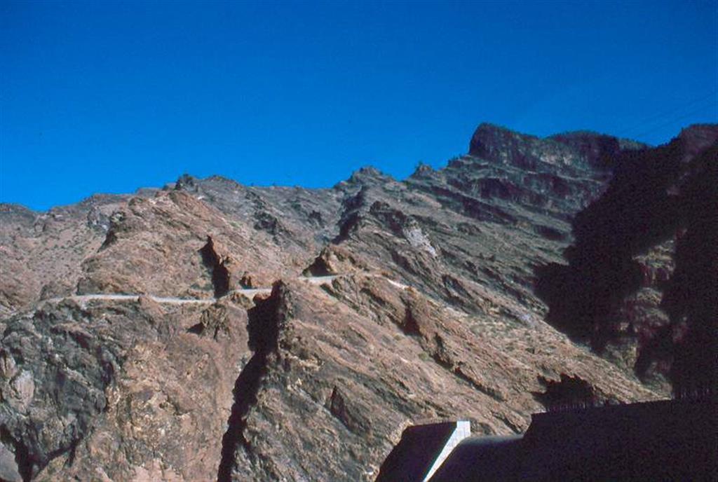 Cone Sheet. Vista del paquete de diques inclinados