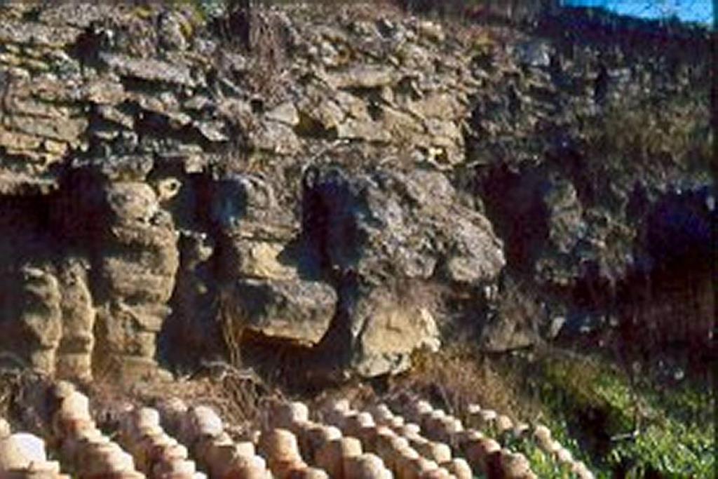 La Règola, entrada del pueblo. Canal mareal que corta los ciclos intramareales mostrados en las fotos anteriores. Resaltan las láminas cruzadas planares (acreción lateral) producto de su típico carácter meandriforme