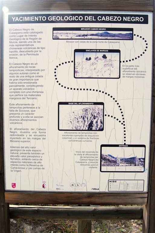 Cartel explicativo existente en el área acondicionada (Foto Á. García Cortés, 2016).