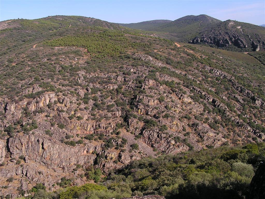 Afloramiento de cuarcitas Hoya del Sol (Estrecho de Las Hoces)