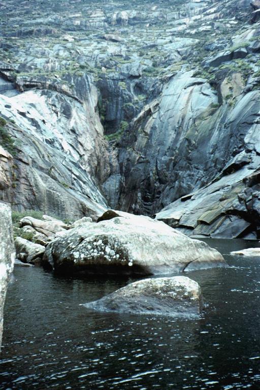Segmento terminal del río Xallas sobre la ría de Ezaro