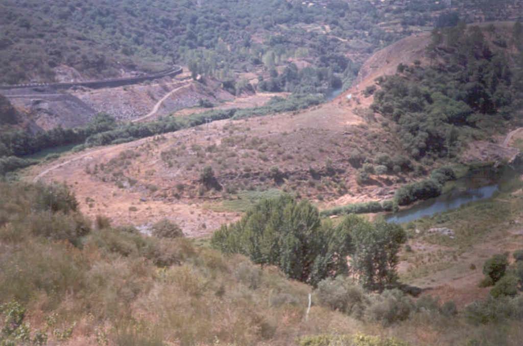 Panorámica del meandro de Montefurado: Foto tomada en 1983