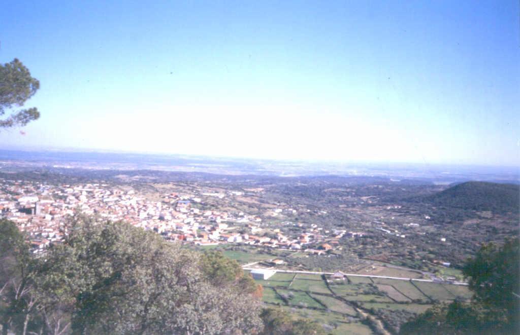 Espectacular visión de la Cuenca de Madrid desde la cima.
