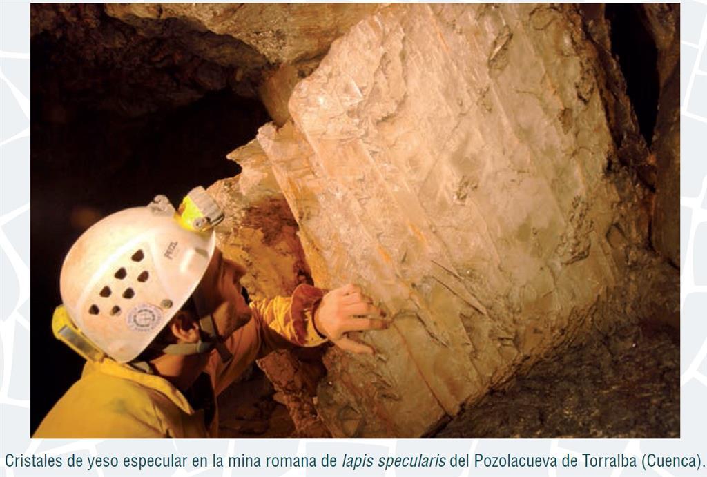 Cristal de yeso especular en la mina romana de Pozolacueva, Torralba (Bernárdez et al., 2015)
